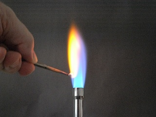 Calcium nitrate flame test