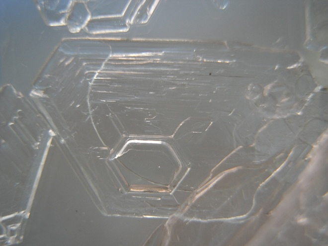 Sodium bromide crystals close up